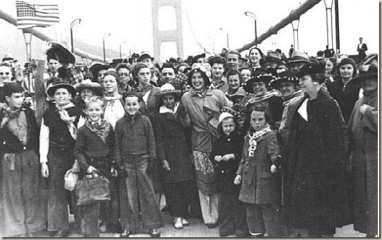 Golden-Gate-Bridge-opening-1937